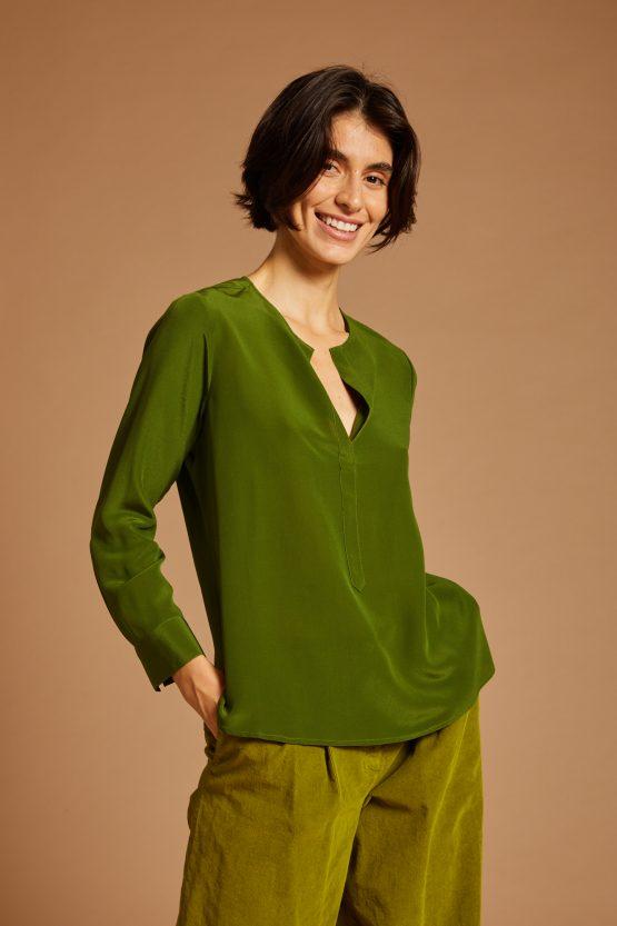 silk timeless green straight cut long sleeved shirt carla saibene